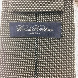 Brooks Brothers Accessories - Brooks Brothers    Makers NWT Silk Navy Silver Tie